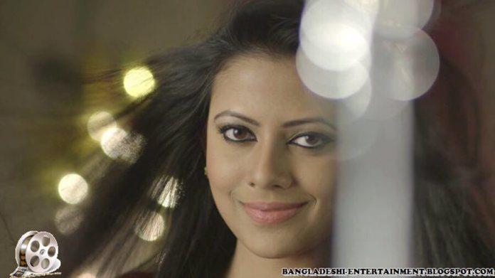 Azmeri Sultana Asha Latest Photos & Bio 13