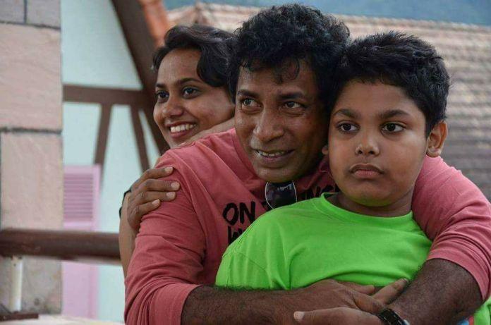 Bangladeshi Actor Mosharraf Karim's Short Biography & Best Images 12