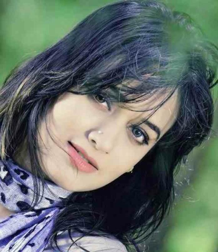 Bangladeshi Actor Ahona Rahman Lucky Short Biography & Pictures 1