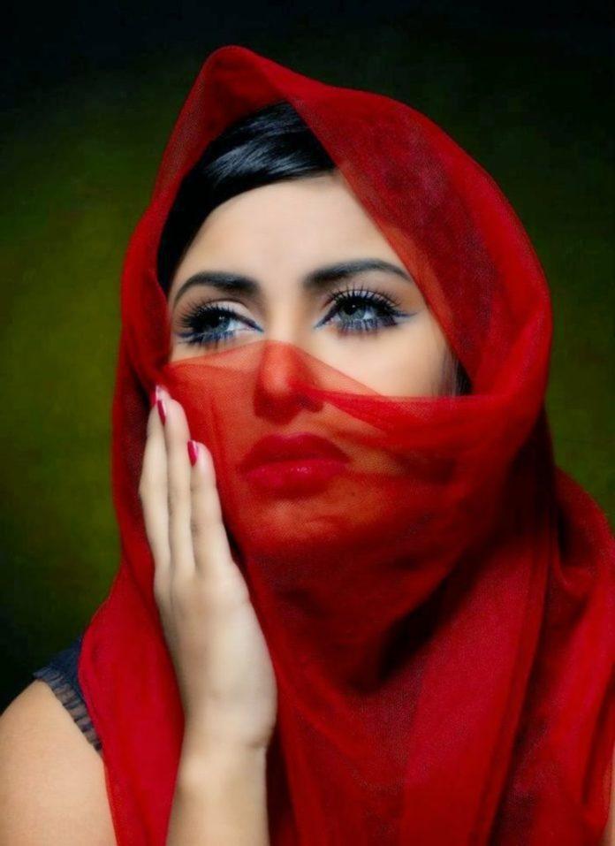 Anika kabir Shokh Short Biography & Pictures 10