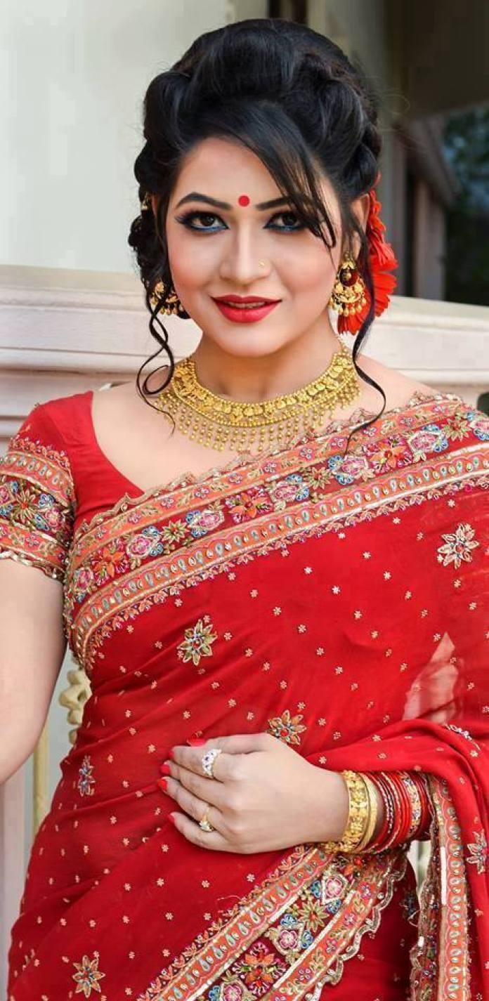 Actress Azmeri Haque Badhon Short Biography & Pictures 4