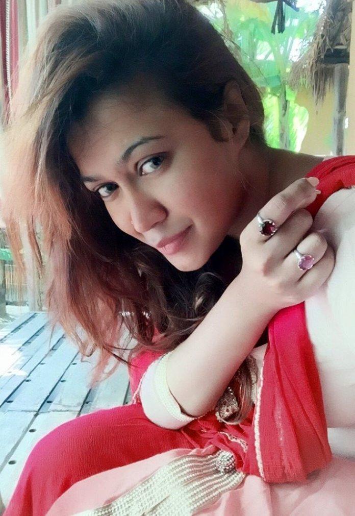 Bipasha Kabir Short Biography & Pictures 9