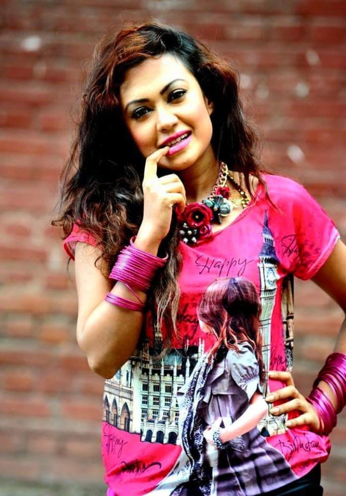 Bipasha Kabir Short Biography & Pictures 10