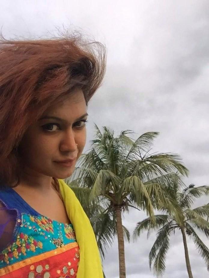 Bipasha Kabir Short Biography & Pictures 4