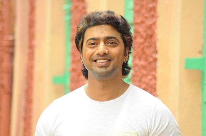 Indian Bengali Actor Dev Short Biography & Images 9