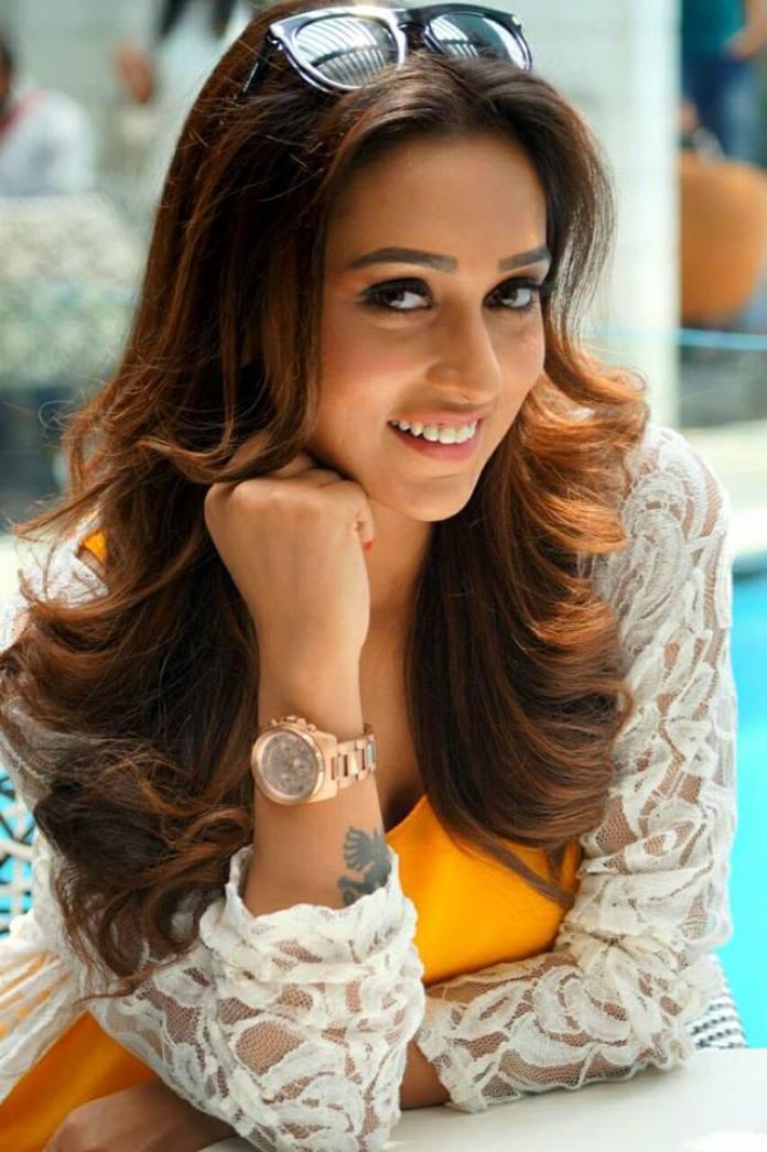 Mimi Chakraborty Bangali Actress & Model Short Biography & Pictures 14