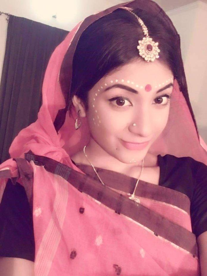 Bangladeshi Actress Neelanjona Neela Short Biography & Pictures 8