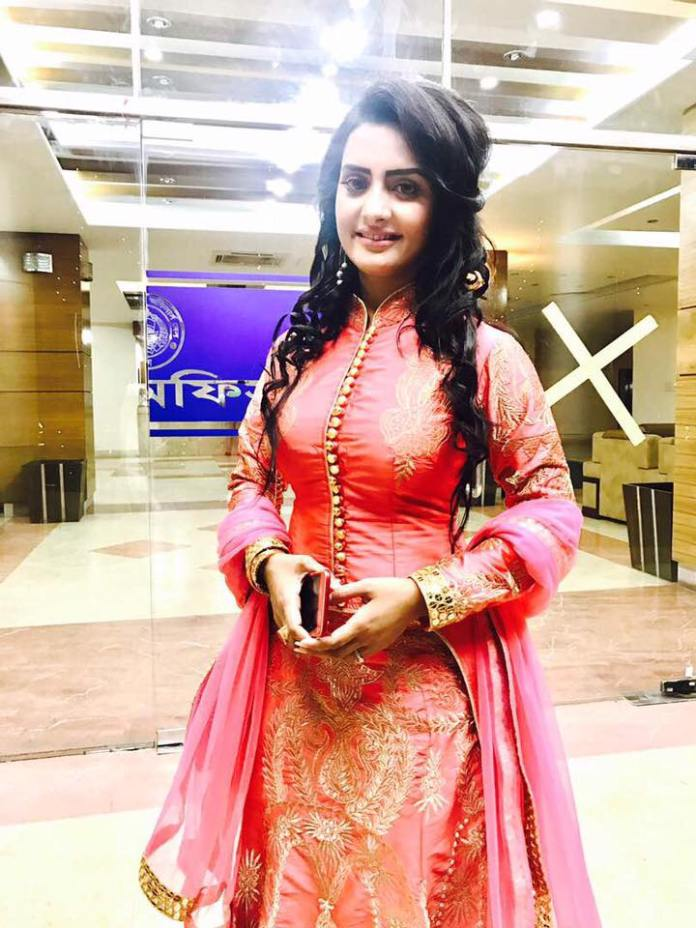 Bangladeshi Actress Nijhum Rubina Short Biography & Pictures 9