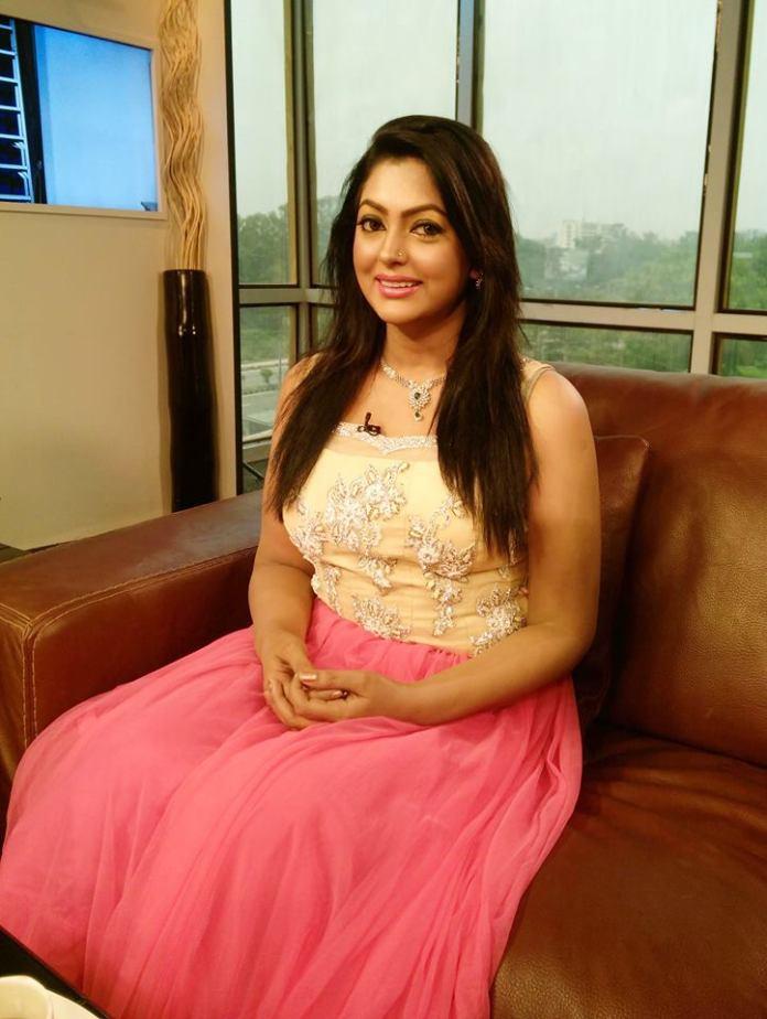 Bangladeshi Actress Nipun Akter Biography & Pictures 12