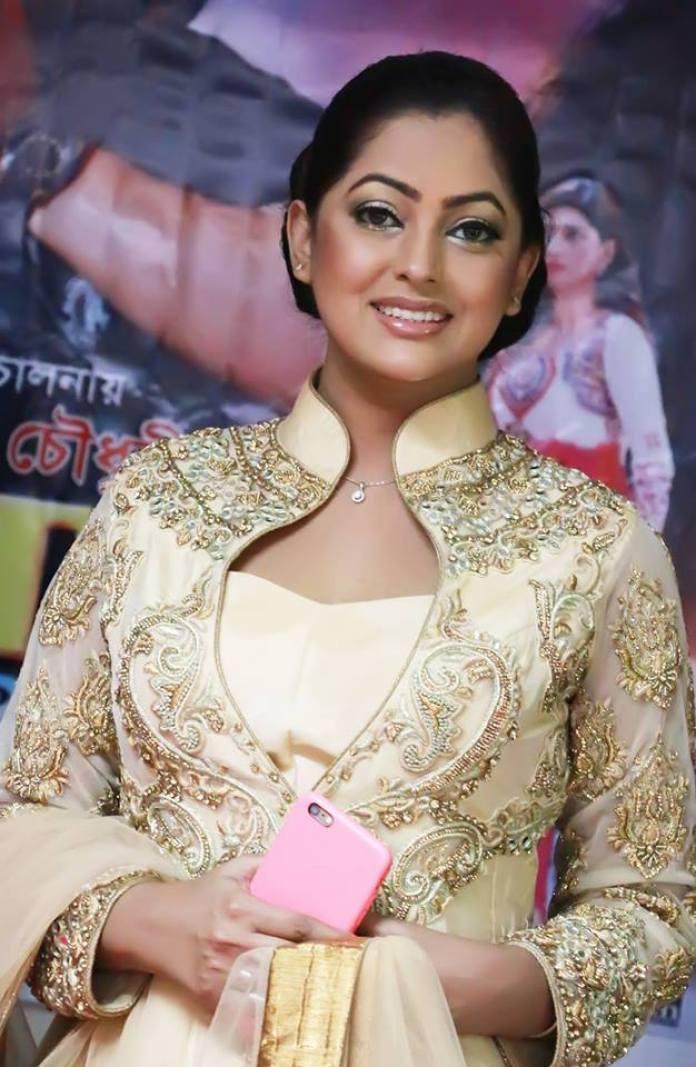 Bangladeshi Actress Nipun Akter Biography & Pictures 2