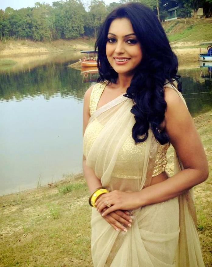 Bangladeshi Actress Nipun Akter Biography & Pictures 6