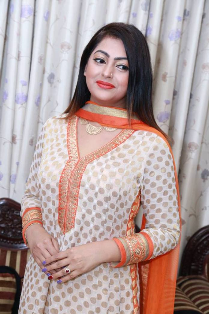 Bangladeshi Actress Nipun Akter Biography & Pictures 7