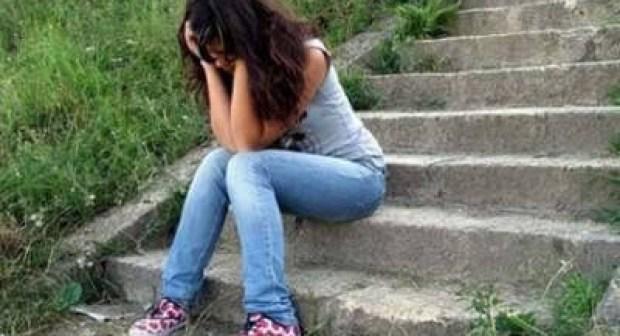 تلميذة تحاول الانتحار بمادة سامة خاصة بالصراصير بعد أن سئمت من سلوكات والدتها التي تمارس الدعارة