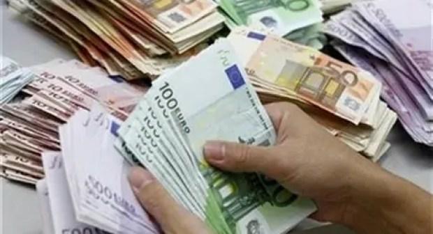 الكشف عن معطيات خطيرة بخصوص المواطن العراقي المتورط في تهريب العملة الصعبة.
