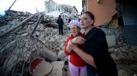 بالصور.. شاهد كيف حول زلزال بلدة إيطالية إلى أنقاض