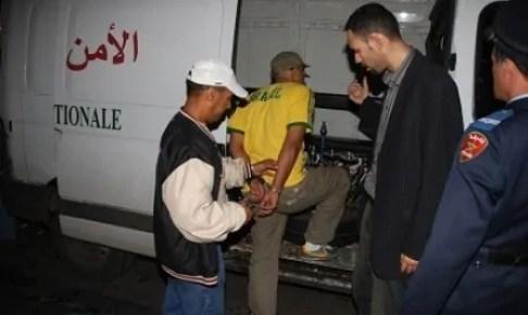 اعتقال مجرم خطير متورط في سرقات عديدة بعد مقاومة عنيفة لعناصر الشرطة.