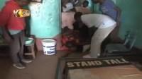 بالفيديو فضيحة ماما أفريكا … لن تصدق ما حدث بعدما شك في زوجته
