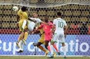 الجزائر تفلت من الخسارة أمام زيمبابوي بكأس الأمم الإفريقية