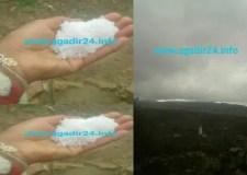 """عااجل بالصور:تساقط حبات البرد """"التبروري"""" بشكل مخيف وبكمية لم تشهدها أكادير من قبل وهذه هي المناطق"""