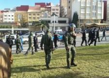 إصابة عدد من أفراد الشرطة في مواجهات مع متظاهرين بالحسيمة