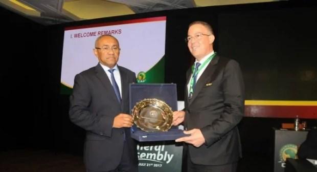 """رئيس """"الكاف"""" يدعو إفريقيا إلى دعم ترشيح المغرب لتنظيم كأس العالم 2026"""