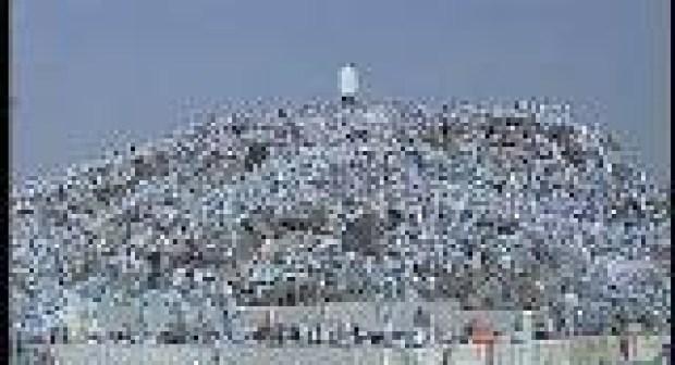 أكثر من مليوني حاج يتوافدون على صعيد عرفات