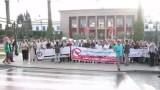 هكذا احتج نشطاء أمام البرلمان ضد حضور صهاينة إلى المغرب