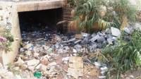 +صور: مقطع وادي بأكادير يحول حياة المواطنين إلى جحيم، ومطالب بالتدخل للإنصاف.