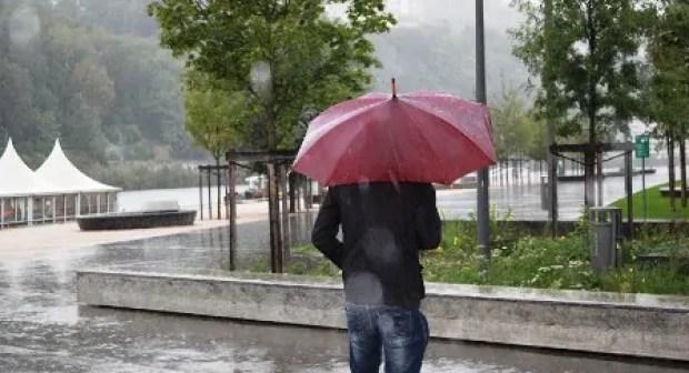 الأرصاد الجوية تعلن في نشرة خاصة عن نزول أمطار قوية بأكادير و مناطق أخرى بسوس ابتداء من زوال اليوم الأربعاء