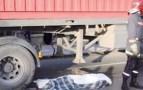 فاجعة: شاحنة مجنونة تحول جسد شاب من أكادير إلى أشلاء مباشرة بعد نزوله من حافلة الركاب لتناول وجبة الفطور .