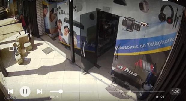 مهاجر افريقي يستولي على محل للهواتف النقالة بأكادير. (+فيديو)