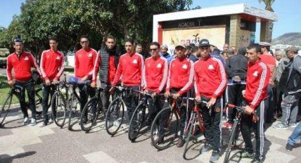 """عقوبات قاسية تنتظر الدراجين المنسحبين من الطواف الدولي بأكادير، وبطل """"إنزكاني"""" في قفص الاتهام"""