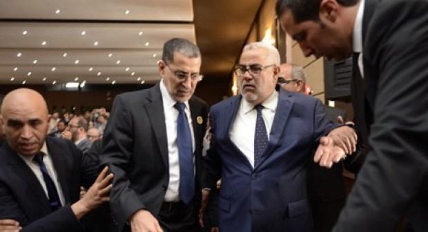 """العثماني يحذر بنكيران من مغبة التهجم على قادة الأغلبية في عز حملة """"المقاطعة""""، والأخير يعتذر للمنظمين و يتراجع عن تأطير المؤتمرات الجهوية"""