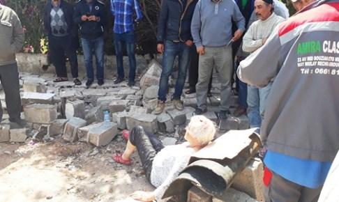 عااجل و بالصور: سقوط حائط على سياح ألمان بأكادير، و الضحايا ينقلون على عجل إلى المستعجلات.