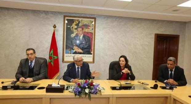 الإعفاء يطال مسؤولا كبيرا أياما بعد تعيينه في المجلس الحكومي.