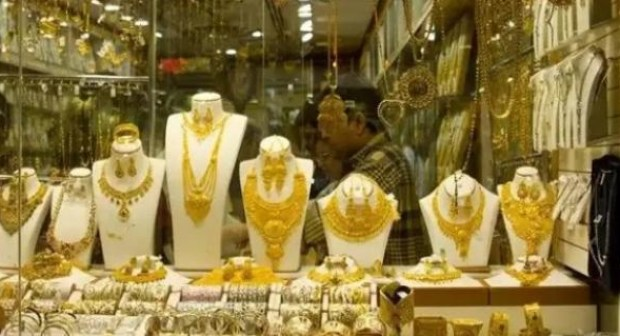 (+فيديو): عصابة خطيرة تهاجم محلا لبيع المجوهرات