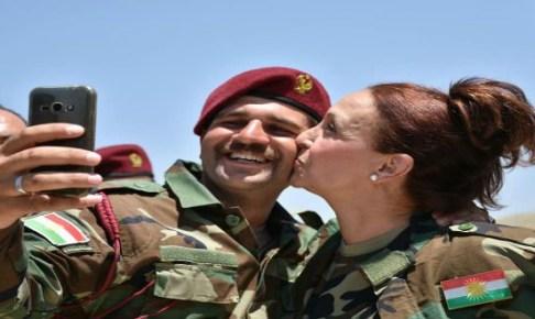 """مليكة مزان تعود من جديد وتكشف سبب """"تقبيل"""" البيشمركة وتوجه رسالة للأمازيغ"""