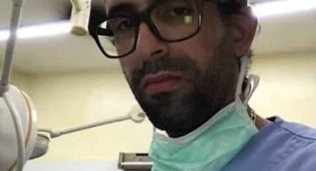 """عاجل: منع طبيب الفقراء من دخول مستشفى تيزنيت، و قرار مفاجئ بتنقيله إلى تارودانت يصفه ب""""التعسفي""""."""