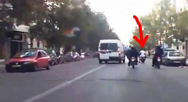 أكادير : مطاردة هوليودية بالسيارات و الدراجات تنتهي بسقوط عصابة خطيرة في قبضة شبان، و تسلميها للشرطة.