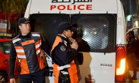 شرطة اكادير تضرب بقوة، وتعتقل عصابة ضمنها فتاتين وسط بناية مهجورة، وبحوزتها ممنوعات و أسلحة بيضاء.
