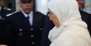 الحقاوي « تهرب » وسط حراسة أمنية وترفض التعليق على « شهيد وزارتها »
