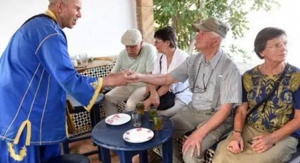 """أكادير تغري آلاف السياح المتقاعدين، و تعيد لهم الشباب والحياة من جديد في فضاء عنوانه """"المتعة"""". (+شهادات معبرة)"""