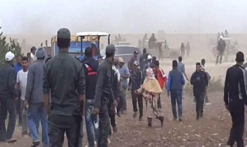 عاجل:استنفار أمني كبير قرب مطار أكادير، بسبب مناوشات قد تتحول إلى حرب طاحنة، ورجال الدرك والسلطات يقضون ليلة بيضاء بالمنطقة.