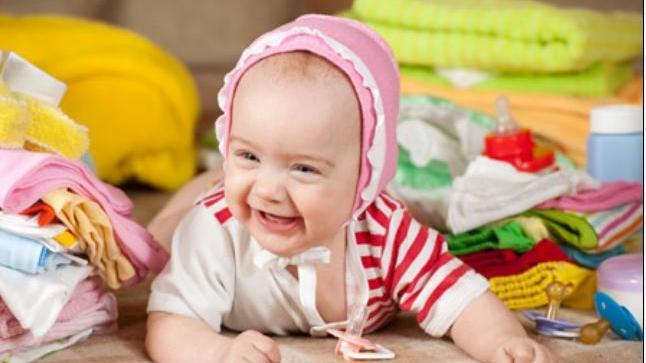 حيل مبتكرة لإلهاء الطفل وإراحة الأهل