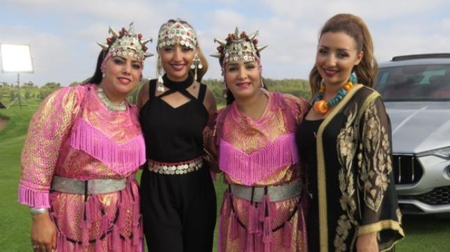 صفاء وهناء تغنيان بالأمازيغية مع فنان عالمي وتحققان حلم والديهما