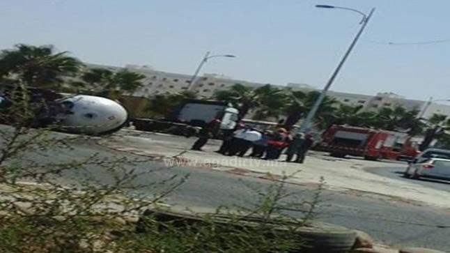بالصور .. انقلاب صهريج شاحنة محملة بالغاز بمدخل مدينة أكادير