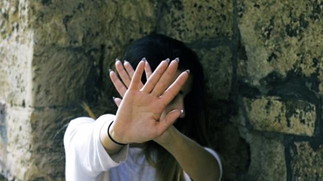 3 أشخاص يختطفون تلميذة ويتناوبون على اغتصابها ضواحي المدينة