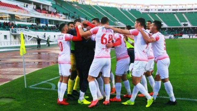 """حسنية أكادير يُكرر فوزه على النصر الليبي ويتأهل للمرة الأولى لنصف نهائي كأس الـ""""كاف"""" (فيديو)"""