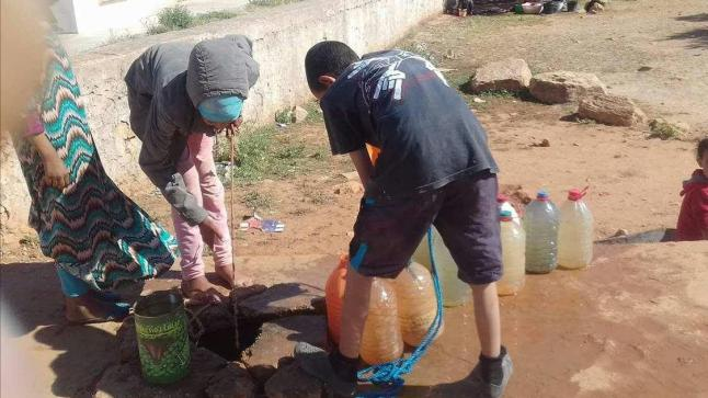 ساكنة جبال إداوتنان تستغيث بسبب أزمة الماء الشروب