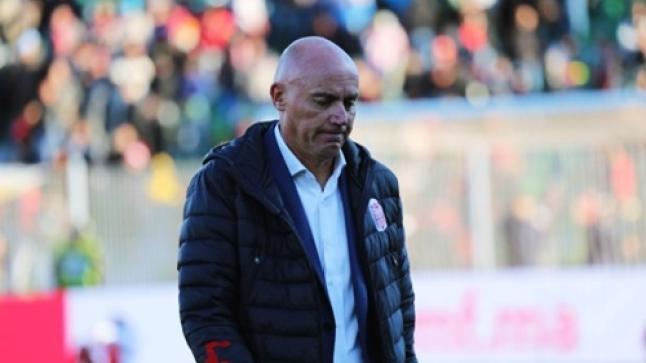 رسميا.. حسنية أكادير يعلن إقالة المدرب غاموندي من تدريب الفريق